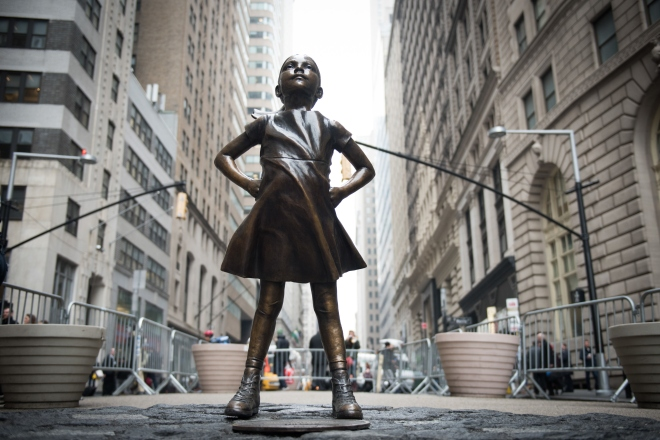 Mayor Bill de Blasio and Manhattan Borough President Gale Brewer visit the Fearless Girl statue in Lower Manhattan after the permit for the beloved statue will be extended through next year on Monday, March 27, 2017. Michael Appleton/Mayoral Photography O